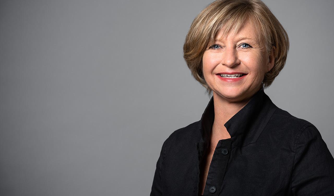 Portraitfoto Monika Häußinger
